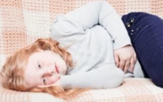 Правый бок болит у ребенка что это может быть: как распознать, чем лечить