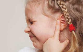 Болит ушко у ребенка 3 года чем лечить: как распознать, чем лечить