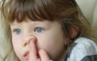 Почему ребенок ест козявки из носа