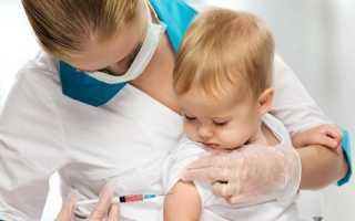 Нужно ли делать прививки детям до года