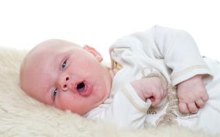 Что можно дать в 8 месяцев ребенку от кашля