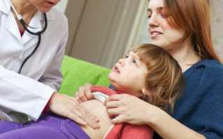 Ребенок жалуется на боль в левом боку: как распознать, чем лечить