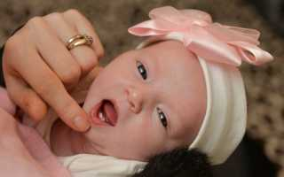 Ребенок родился с зубом