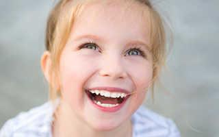 У ребенка щель между передними зубами 7 лет