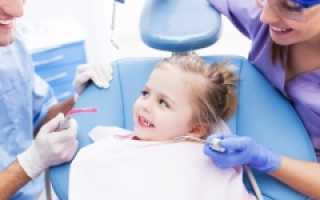 Лечат ли молочные зубы у детей