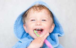 Как ребенка в 2 года научить чистить зубы